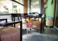 fauteuils Andreu World_tables Matière Grise