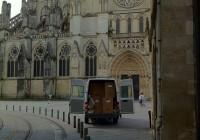place-Jean-Moulin_Bordeaux_Hay_camion